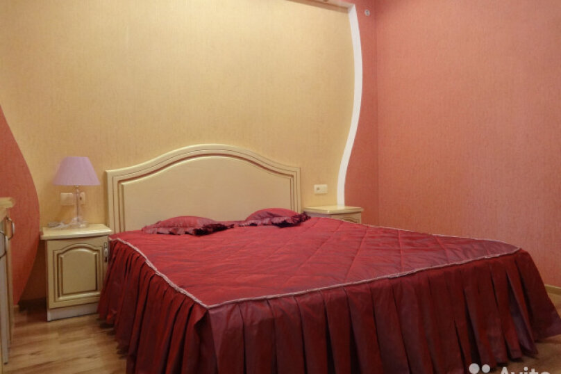 Дом, 80 кв.м. на 8 человек, 2 спальни, Октябрьская улица, 21, Алушта - Фотография 1