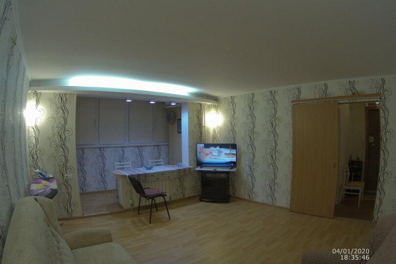 2-комн. квартира, 60 кв.м. на 4 человека, проспект Октябрьской Революции, 56А, Севастополь - Фотография 2