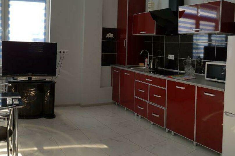 """Гостевой дом """"Avenue"""", Отрадная улица, 1 на 4 комнаты - Фотография 49"""