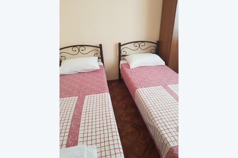 2-х местный с двумя кроватями, Юго-Западный микрорайон, 30, Судак - Фотография 1