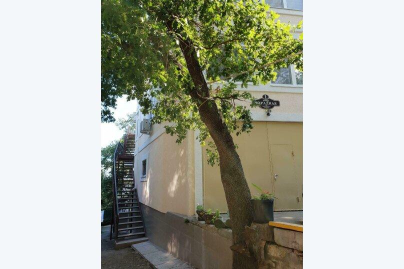 """Гостевой дом """"Avenue"""", Отрадная улица, 1 на 4 комнаты - Фотография 3"""