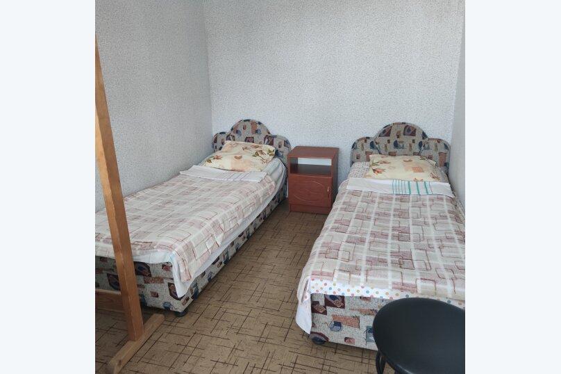 Номер 23, без удобств, 2 этаж, на 2 чел. , улица Танкистов, 19, Судак - Фотография 1