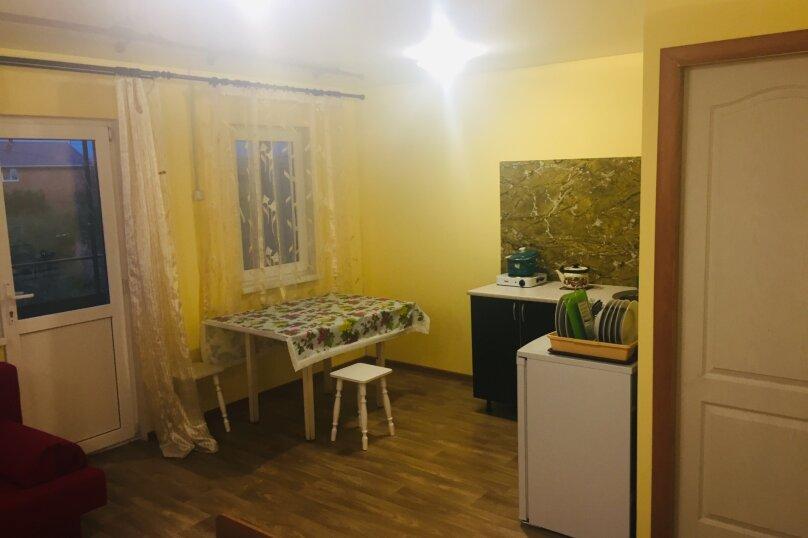 """Гостевой дом """"На Маяковского 13"""", своя кухня в каждом номере, закрытая парковка, улица Маяковского, 13 на 7 комнат - Фотография 24"""