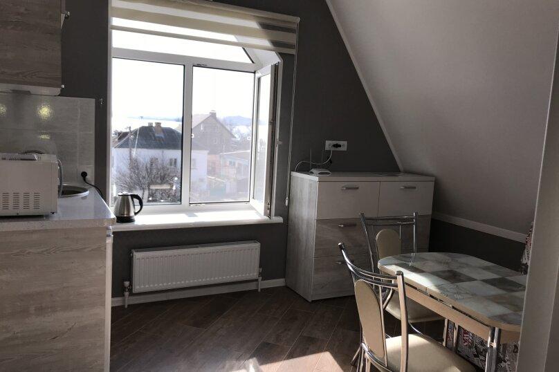 Люкс двухкомнатный , улица Калинина, 10, Керчь - Фотография 7