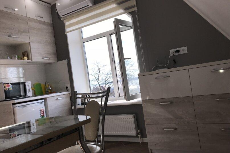 Люкс двухкомнатный , улица Калинина, 10, Керчь - Фотография 9