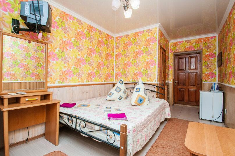Двухместная комната +1 первый этаж 2/2, Десантников, 7, Коктебель - Фотография 1