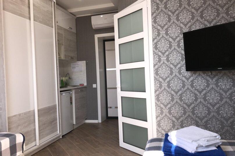 Комфортный номер с кухней , улица Калинина, 10, Керчь - Фотография 3