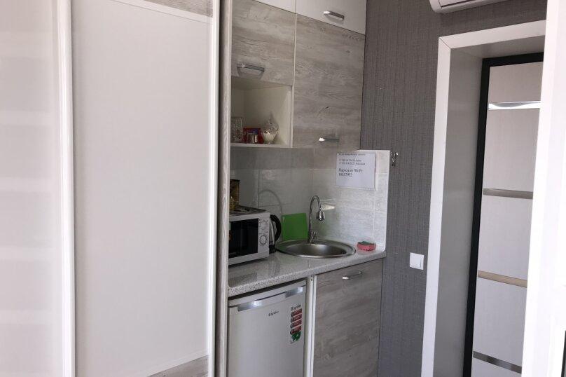 Комфортный номер с кухней , улица Калинина, 10, Керчь - Фотография 4