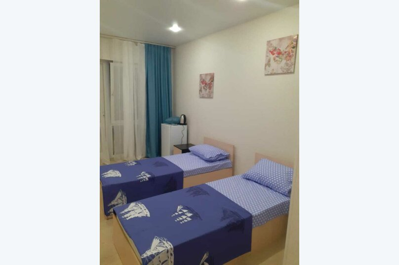 Стандарт 2-х местный с двумя кроватями и допместом на втором этаже, Зеленая, 23-А, Новофёдоровка, Саки - Фотография 1