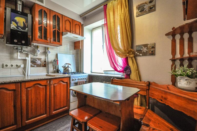 1-комн. квартира, 30 кв.м. на 5 человек, проспект Ленина, 11, Новороссийск - Фотография 8