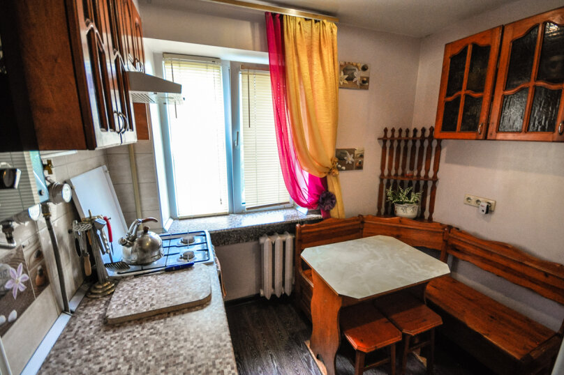 1-комн. квартира, 30 кв.м. на 5 человек, проспект Ленина, 11, Новороссийск - Фотография 9
