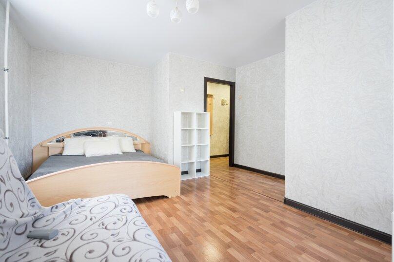 1-комн. квартира, 33 кв.м. на 3 человека, улица Новаторов, 11, Казань - Фотография 1