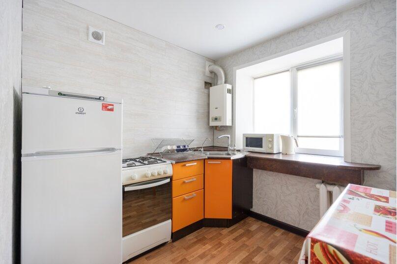 1-комн. квартира, 33 кв.м. на 3 человека, улица Новаторов, 11, Казань - Фотография 8