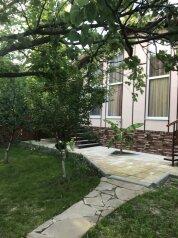 """Гостевой дом """"ПАТИО"""", Геленджикская улица, 7 на 2 комнаты - Фотография 1"""