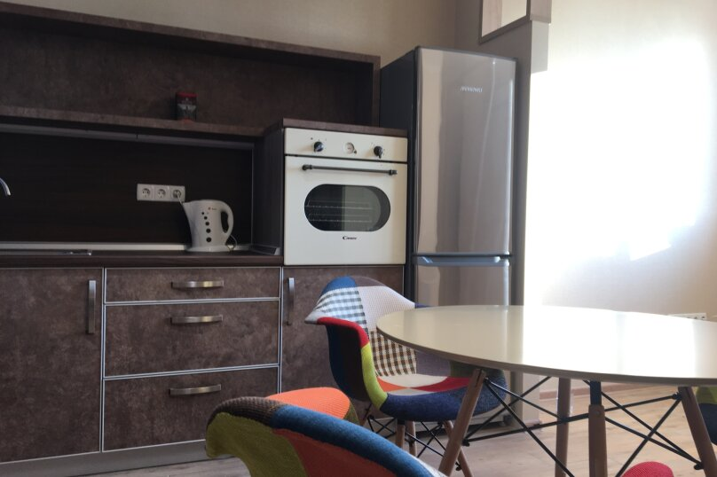 2-комн. квартира, 55 кв.м. на 5 человек, улица Бирюлёва, 99, Севастополь - Фотография 2