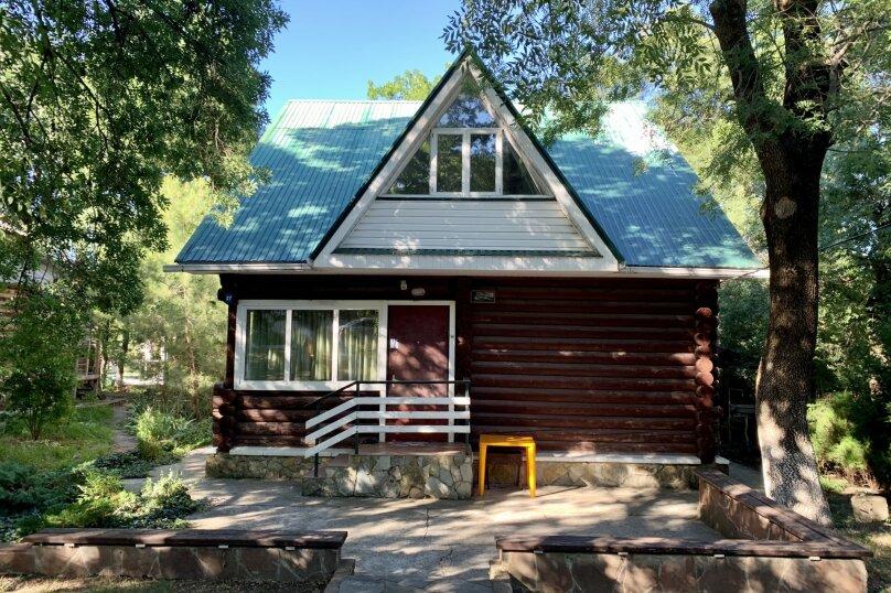 Благоустроенный бревенчатый дом, 57 кв.м. на 8 человек, Пограничная улица, 20, Геленджик - Фотография 10