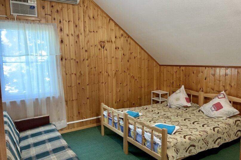 Благоустроенный бревенчатый дом, 57 кв.м. на 8 человек, Пограничная улица, 20, Геленджик - Фотография 18