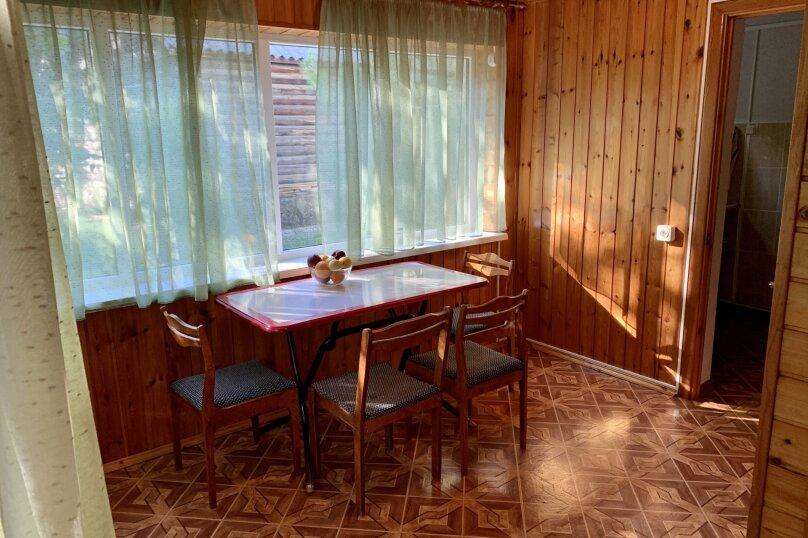 Благоустроенный бревенчатый дом, 57 кв.м. на 8 человек, Пограничная улица, 20, Геленджик - Фотография 22