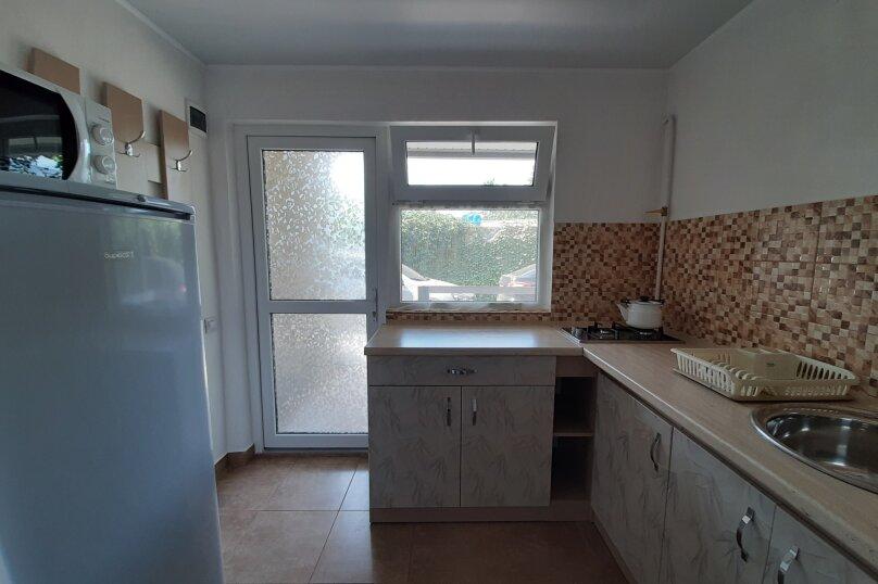 Двухэтажный домик с террасой  у самого Черного моря, 60 кв.м. на 6 человек, 2 спальни, улица Ивана Франко, 16, Евпатория - Фотография 2