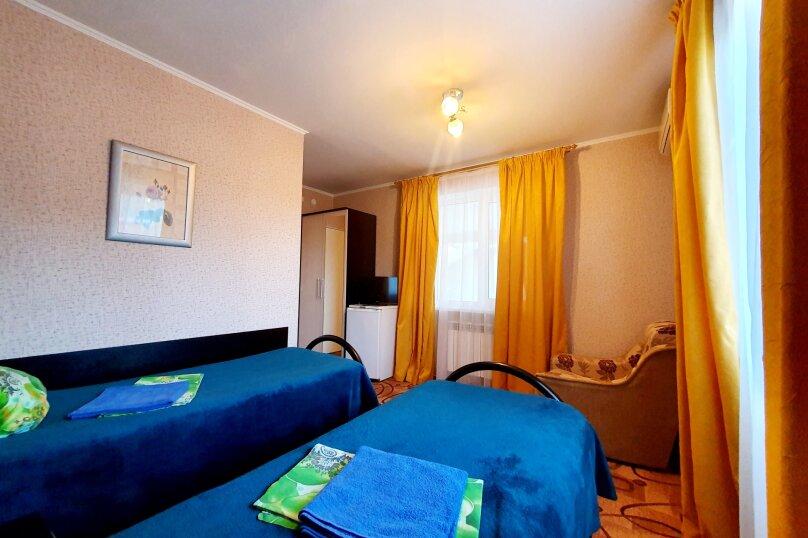 Двухместный полулюкс + доп. место 2-й этаж с раздельными кроватями, улица Толстого, 38А, Геленджик - Фотография 2