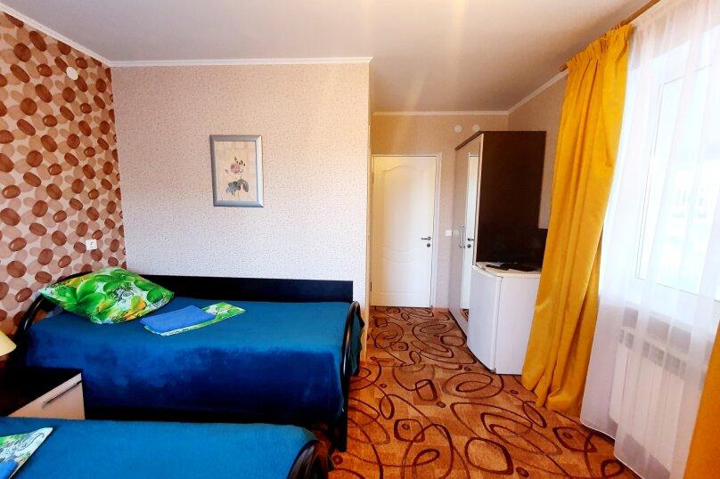 Двухместный полулюкс + доп. место 2-й этаж с раздельными кроватями, улица Толстого, 38А, Геленджик - Фотография 3