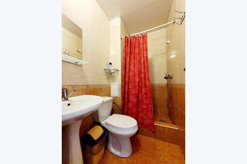 Трехместный  полулюкс + доп. место 2-й этаж , улица Толстого, 38А, Геленджик - Фотография 3