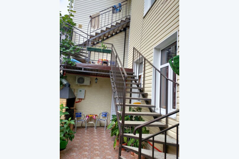 """Гостевой дом """"Тёма"""", улица Богдана Хмельницкого, 33 на 7 комнат - Фотография 3"""