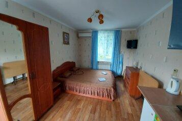 1-комн. квартира на 2 человека, улица Чехова, 31, Феодосия - Фотография 1