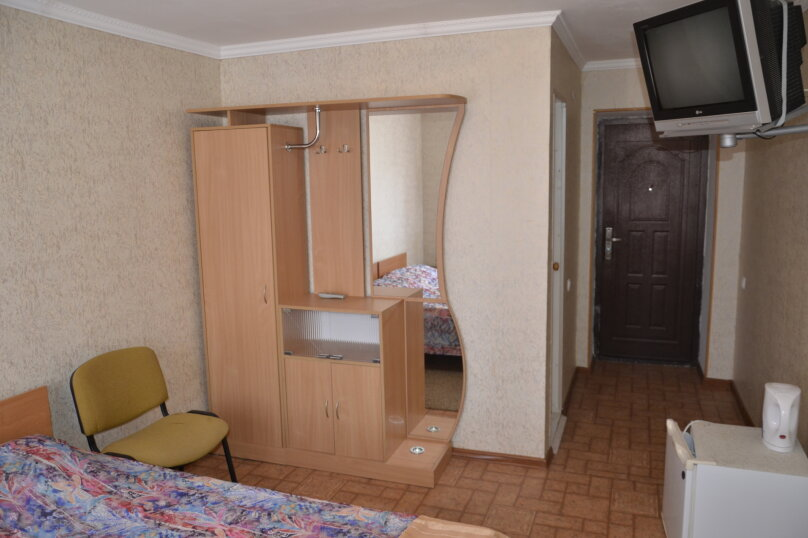 """Гостевой дом """"На Тенистой"""", Тенистая, 73 на 6 комнат - Фотография 15"""