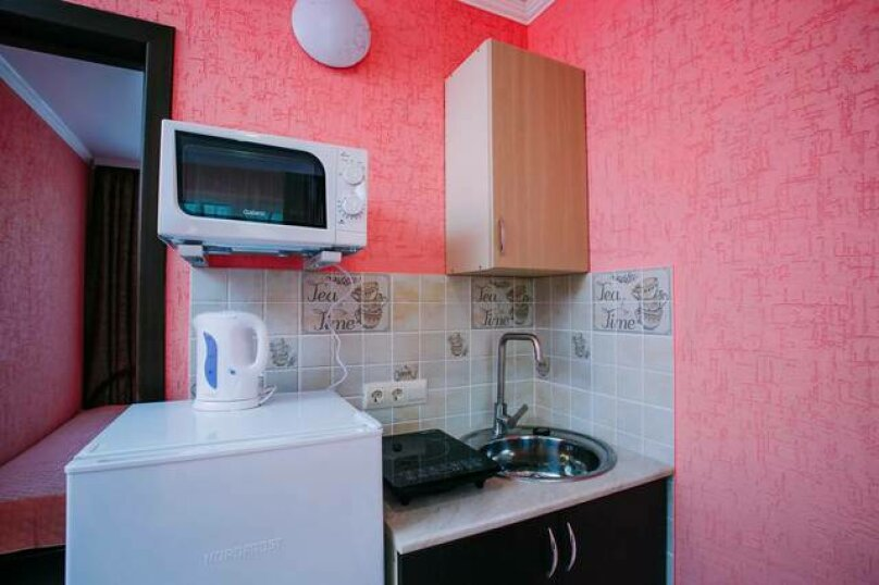 Гостевой дом «Василиса», Крымская улица, 14 на 6 комнат - Фотография 1