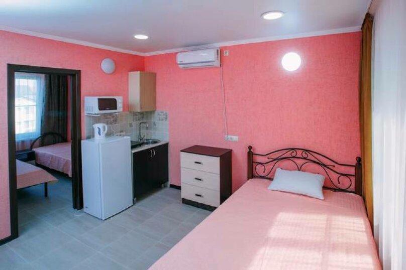 Гостевой дом «Василиса», Крымская улица, 14 на 6 комнат - Фотография 23