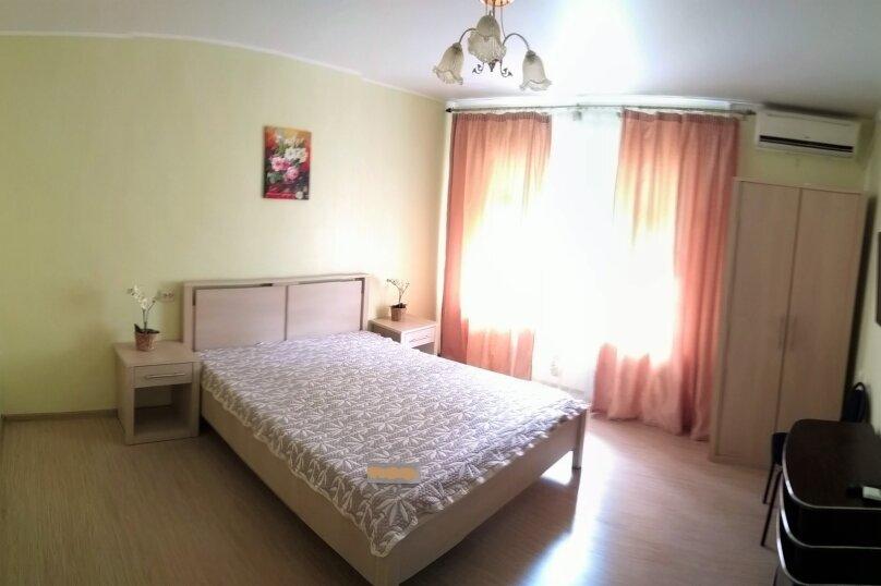 2-комн. квартира, 65 кв.м. на 6 человек, улица Павлова, 75, Лазаревское - Фотография 1