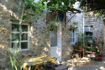 Двухэтажный дом, 80 кв.м. на 6 человек, 2 спальни, улица Вити Коробкова, 46/39, Евпатория - Фотография 1