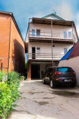 """Гостевой дом """"На Черноморской 16"""", Черноморская улица, 16 на 13 комнат - Фотография 1"""