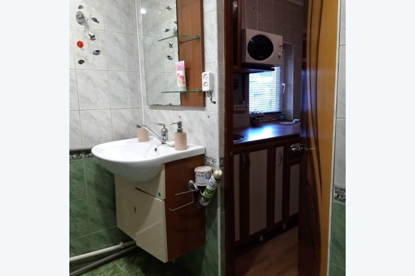 Гостевой дом, 40 кв.м. на 5 человек, 1 спальня, Тополиная, 6, Геленджик - Фотография 1