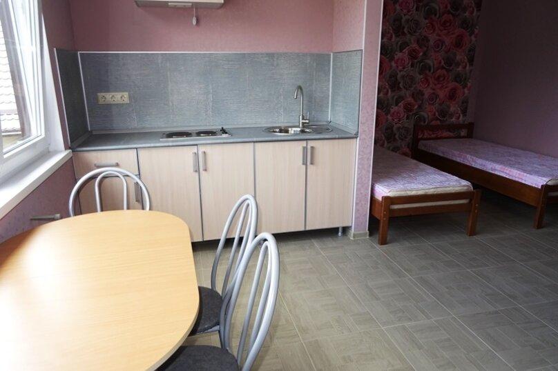 4-х местный номер с кухней, улица Сьянова, 28А, Лазаревское - Фотография 5