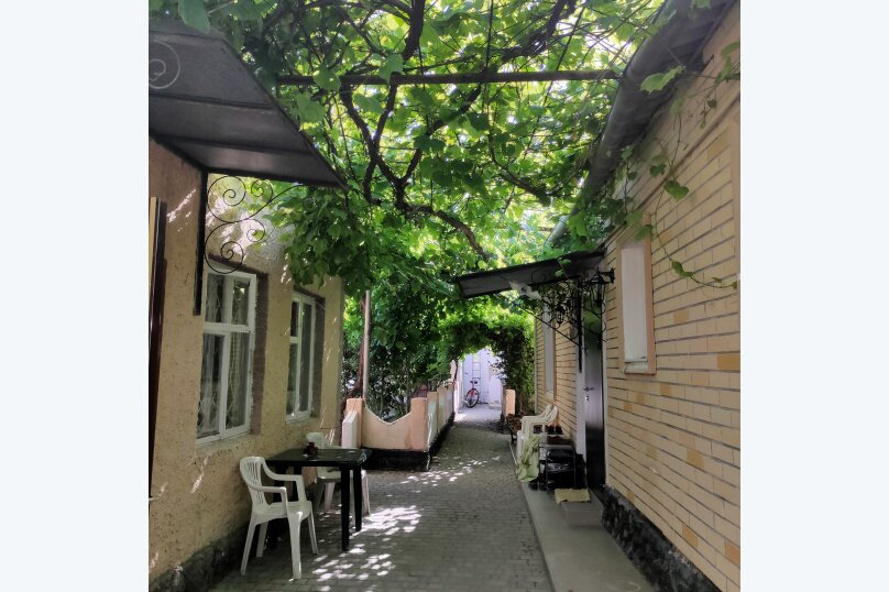 Домик семейный двухкомнатный, улица Гайдара, 7, Заозерное - Фотография 1