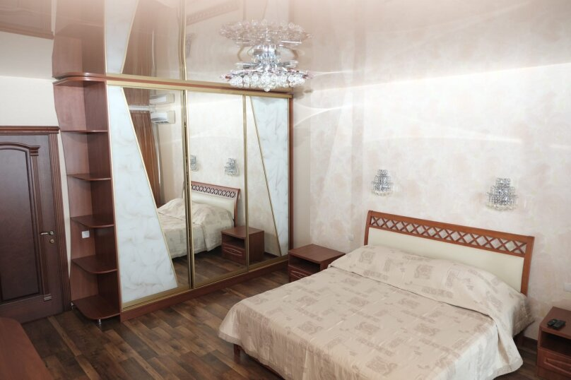 2-комн. квартира, 108 кв.м. на 8 человек, улица Багрова, 12, Алушта - Фотография 5