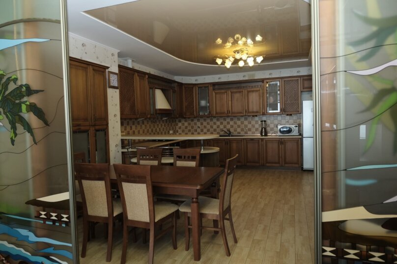 2-комн. квартира, 108 кв.м. на 8 человек, улица Багрова, 12, Алушта - Фотография 9