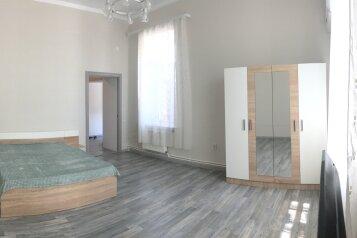 1-комн. квартира, 42 кв.м. на 2 человека, улица Будищева, 52, Севастополь - Фотография 1