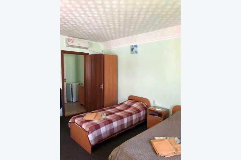 Семейный 2-х комнатный, улица 54-й Артбатареи, 8, Николаевка, Крым - Фотография 12