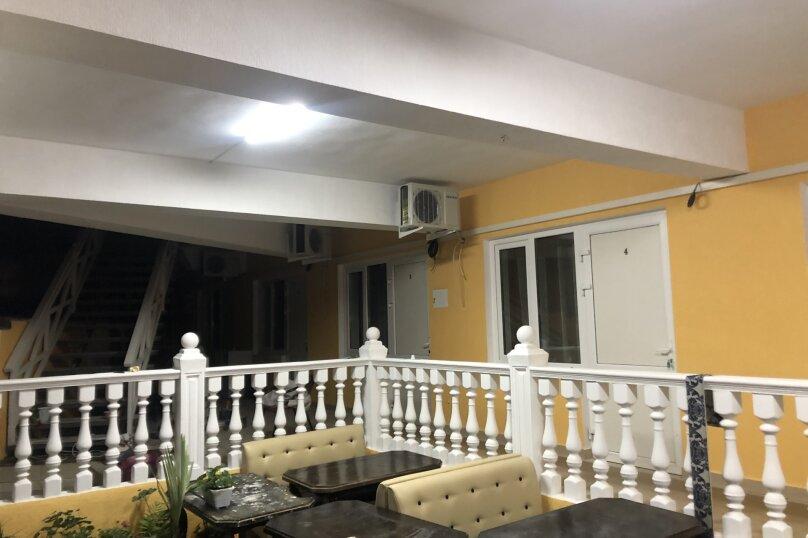 """Гостевой дом """"Южная Ночь"""", Зелёная улица, 22 на 11 комнат - Фотография 3"""