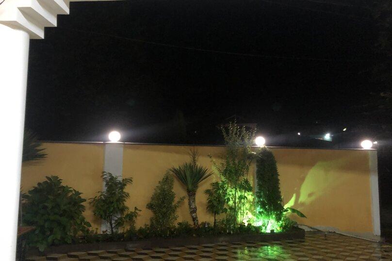 """Гостевой дом """"Южная Ночь"""", Зелёная улица, 22 на 11 комнат - Фотография 5"""