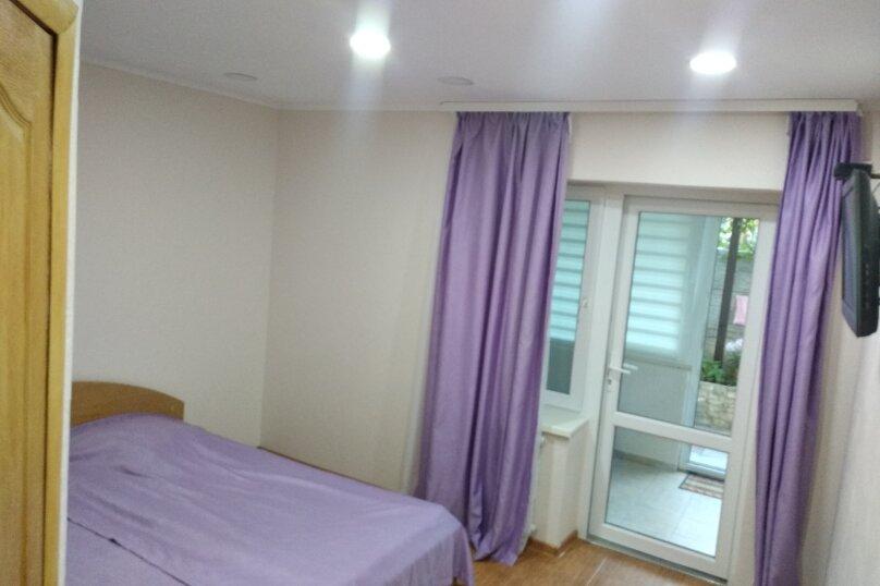 5 номер (первый этаж), улица Вересаева, 60, Феодосия - Фотография 1
