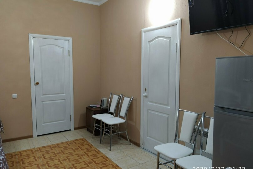 """Гостевой дом """"Роза Ветров"""", Новая улица, 79 на 11 комнат - Фотография 40"""