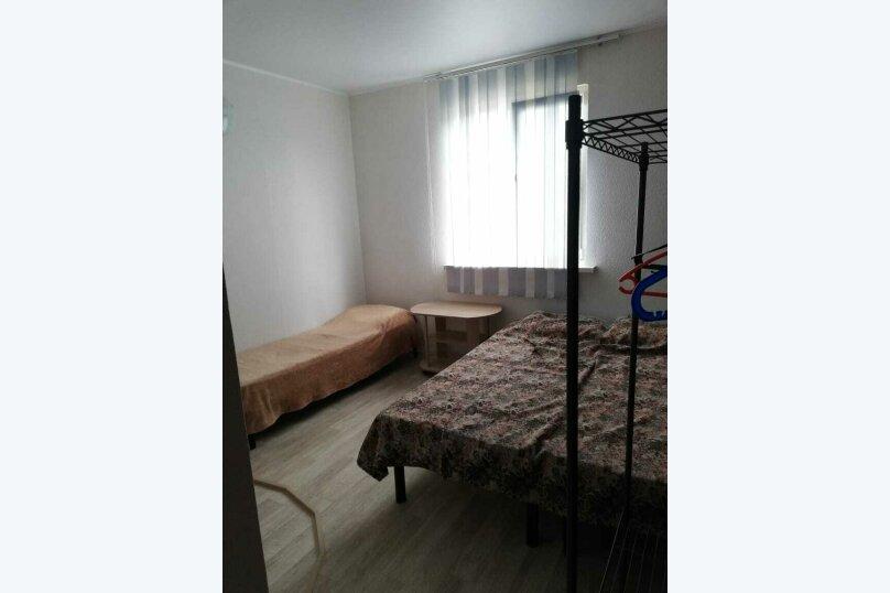 Четырехместный номер с удобствами (№7), улица Гоголя, 56А, Анапа - Фотография 1