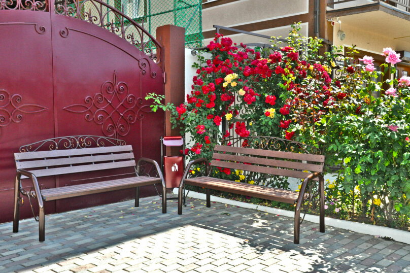 """Гостевой дом """"Надежда"""", Берёзовая улица, 2 на 16 комнат - Фотография 6"""