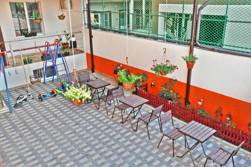 """Гостевой дом """"Надежда"""", Берёзовая улица, 2 на 16 комнат - Фотография 8"""