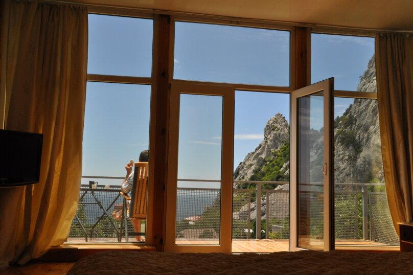 Часть дома. Панорамный люкс с балконом. на 2 человека, 1 спальня, улица Васильченко, 16, Симеиз - Фотография 5