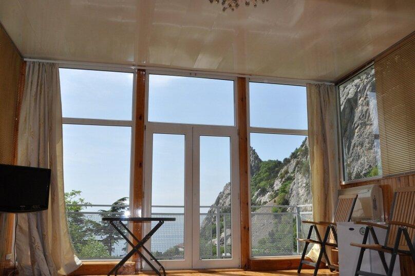 Часть дома. Панорамный люкс с балконом. на 2 человека, 1 спальня, улица Васильченко, 16, Симеиз - Фотография 8